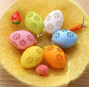 Plastová vajíčka z AliExpress