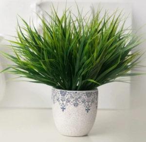 Zelená tráva z AliExpress